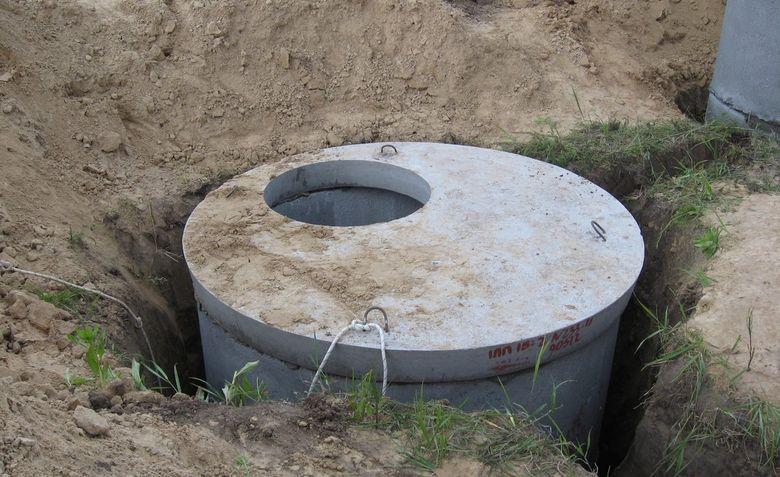 Установка жб колец под канализацию
